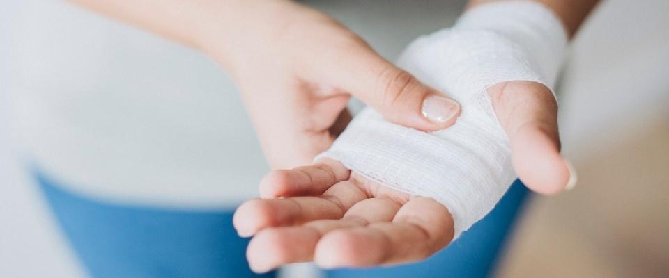 Как правильно обработать рану и не допустить её заражения